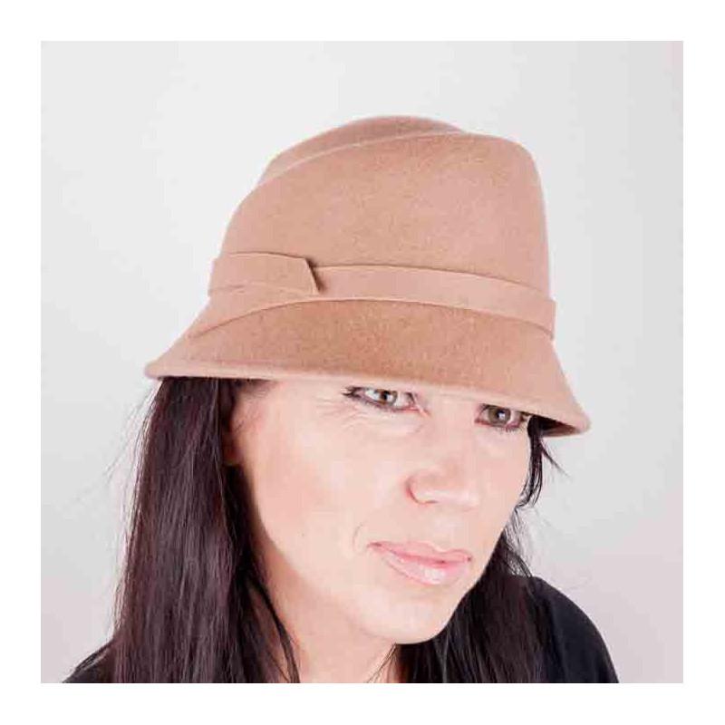 2ab46bb18 Béžový dámsky klobúk Assante 86994